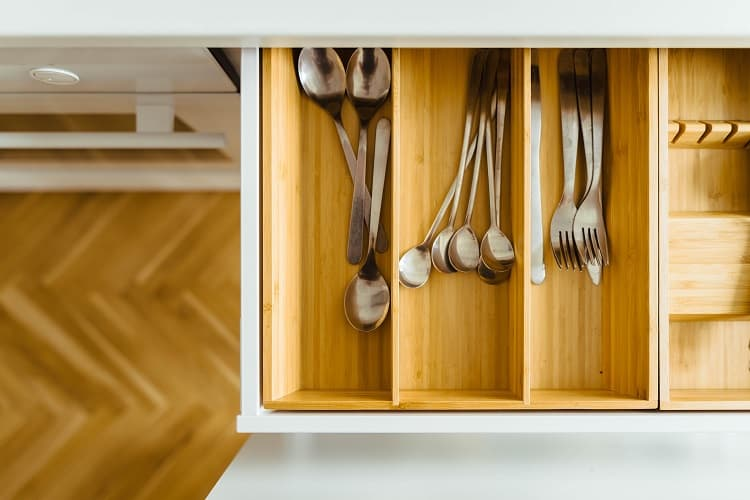 cleaning the kitchen drawers